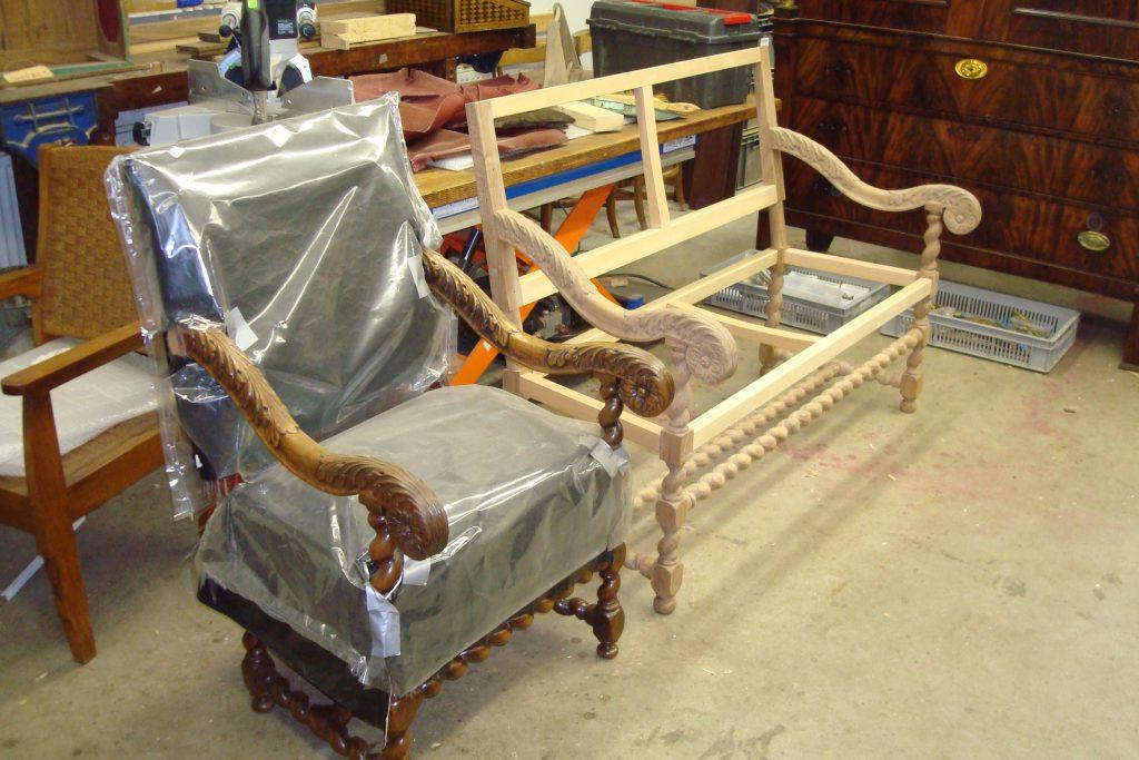 hout, restauratie, conservering, houtwerk, meubelrestauratie, restaureren, bank, stoelen, krullen