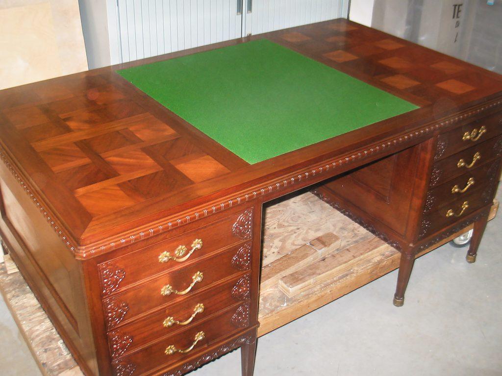 hout, restauratie, conservering, houtwerk, meubelrestauratie, restaureren, stedelijk museum amsterdam, de bazel, bureau