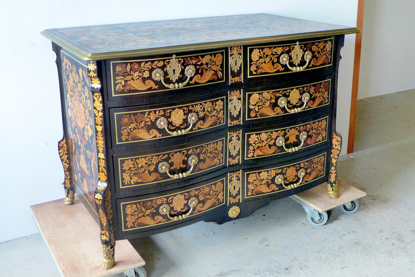 antiek restauratie, hout, restauratie, conservering, houtwerk, meubelrestauratie, restaureren, 17de eeuws object, commode, bijzonder object, haarlem, amsterdam